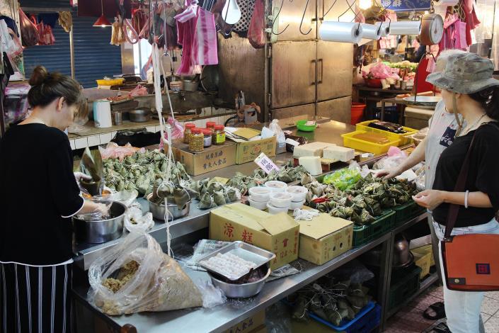 興隆市場27攤琳瑯滿目的米食美食