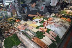 士東市場.春興生猛海鮮