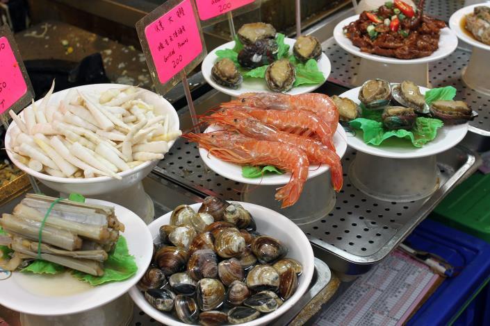各式各樣的海鮮也是外國遊客的首選[開啟新連結]