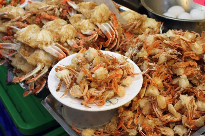炸螃蟹是外國遊客的首選[開啟新連結]