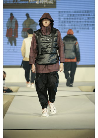 劉奕聖以作品「空間旅人」獲得金獎