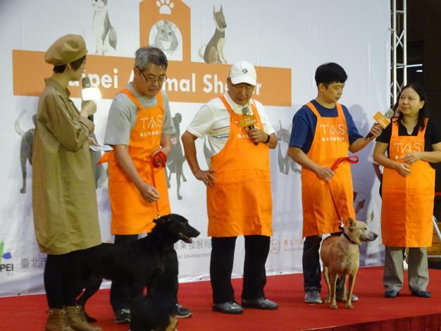 圖二、動物之家志工分享照顧動物的心路歷程