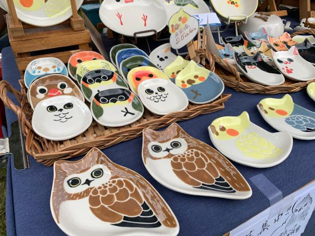 圖四、各式各樣的鳥造型瓷盤可愛又吸睛