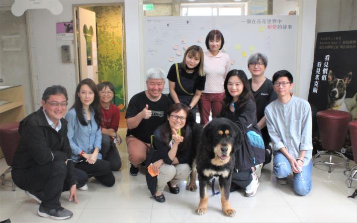 圖1.臺北市民意代表與動保人士參訪臺北市動物之家與推廣犬貓認養.JPG