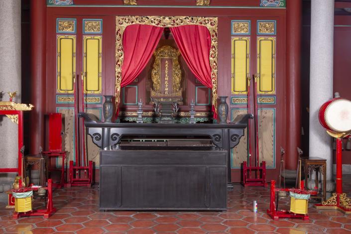 編號9. 大成殿主桌香案桌