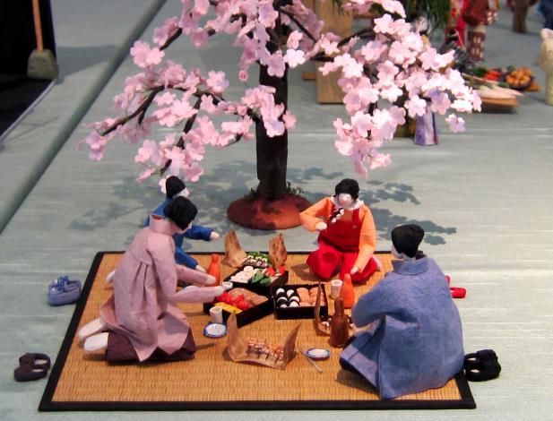 賞花和紙人形   日本摺紙協會盛岡分部提供[開啟新連結]