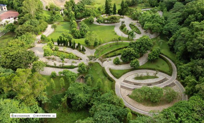 圖片3:臺北市富德公墓詠愛園(樹葬區)空中鳥瞰圖