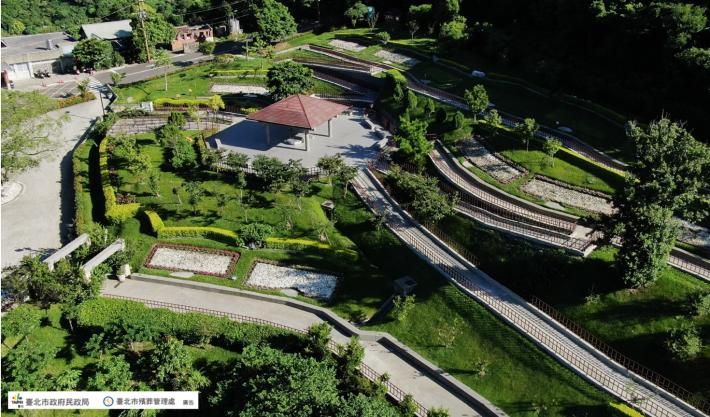 圖片1:臺北市陽明山公墓臻善園(花葬區)空中鳥瞰圖