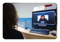 服務檯提供聽障朋友使用視訊與1999話務人員聯絡。