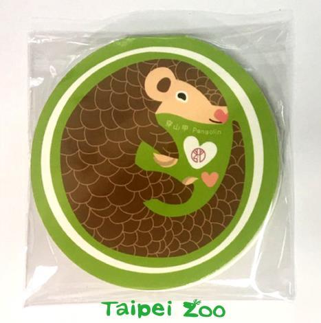 禮物的品項也隨著地點不同有更多的選擇(臺北市立動物園遊客服務中心-可愛動物便條紙)