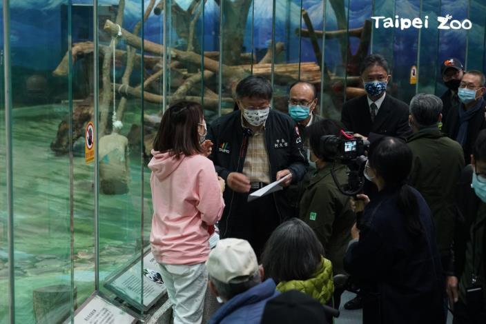 柯文哲市長邀請市民,一同來動物園看圓寶
