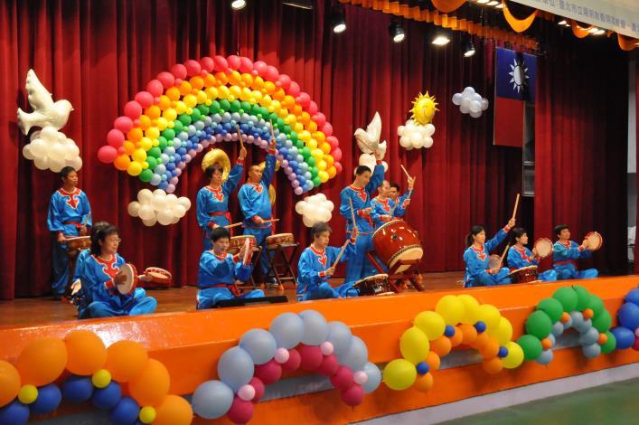 院慶活動在陽明寶貝太鼓隊振奮人心的鼓聲中揭開序幕