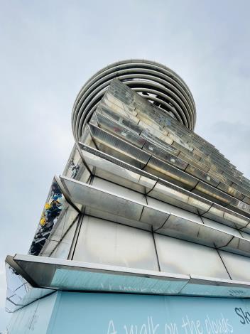 圖說四:北市勞動局長陳信瑜28日率領勞動檢查處,前往臺北101大樓檢查,確保大家開心又安心看跨年煙火秀。
