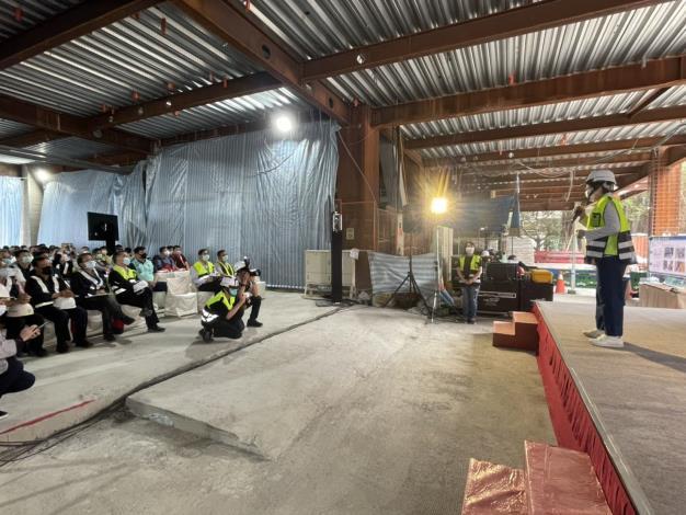 圖說五:北市勞動局長陳信瑜6日視察廣慈博愛園區整體開發計畫公共住宅第C標統包工程,觀摩最新工法。