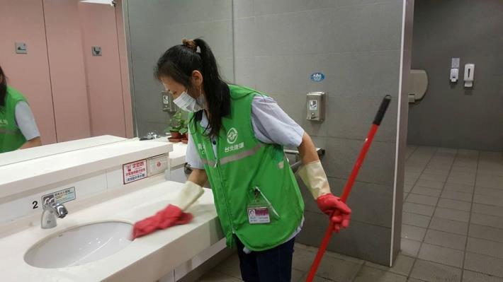 台北市捷運消毒相片4