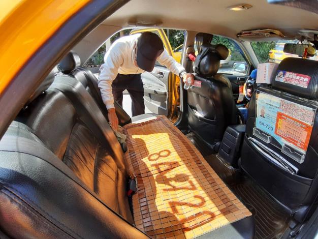 計程車消毒照片2