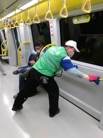 台北市捷運消毒相片3