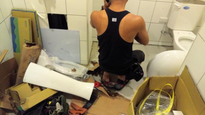 室內裝修涉及增加2間以上浴室或廁所時,須取得直下層屋主的同意書.JPG