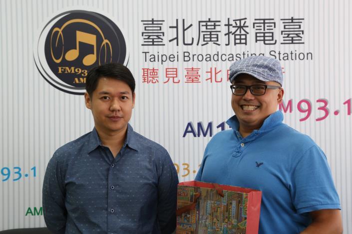 圖為主持人林家昌(圖右)與來賓「Orchid_Restaurant蘭餐廳」的創辦人劉宗原。