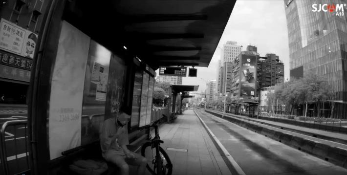 等公車口罩未戴好(JPG)