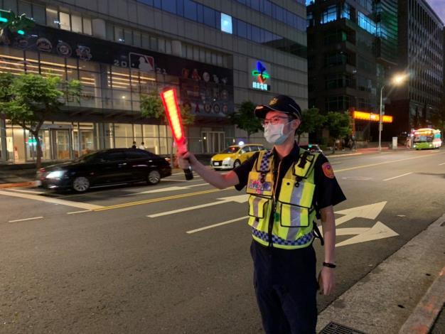 圖說2:員警現場交通疏導照