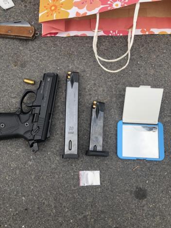 槍擊案犯罪槍械照片[開啟新連結]