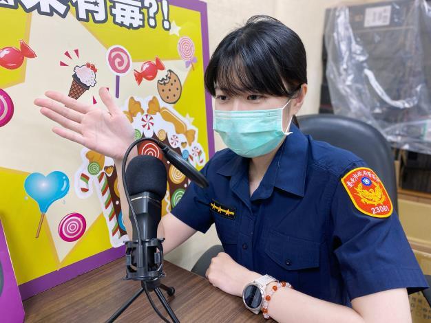 員警提供自保策略給聽眾朋友.JPG