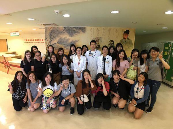 107.07.17 國立台北護理健康大學參訪-韓國及新加坡交換學生參訪;NationalUniversity of Singapore學生9人;Seoul Women'sCollege of Nursing學生10人