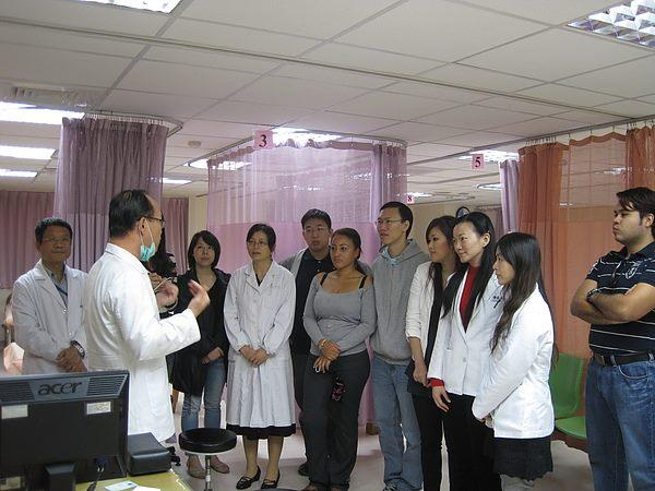 99.11.15中國大陸蘇州市中醫醫院趙建玲醫師來院觀摩學習