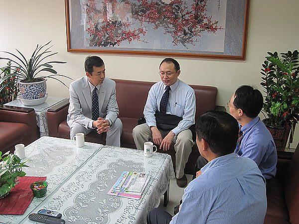 101.04.11-西藏衛生部長Dr. Tsering Wangchuk教授蒞臨中醫中心參訪