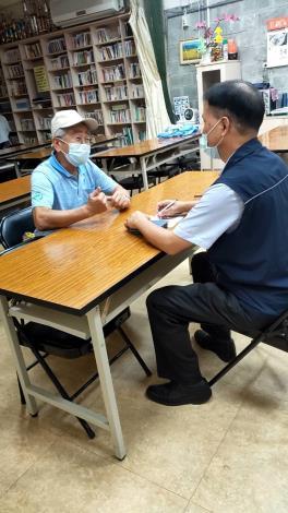 仁福里吳肇輝里長提供「看、問、留、撥」暖心服務