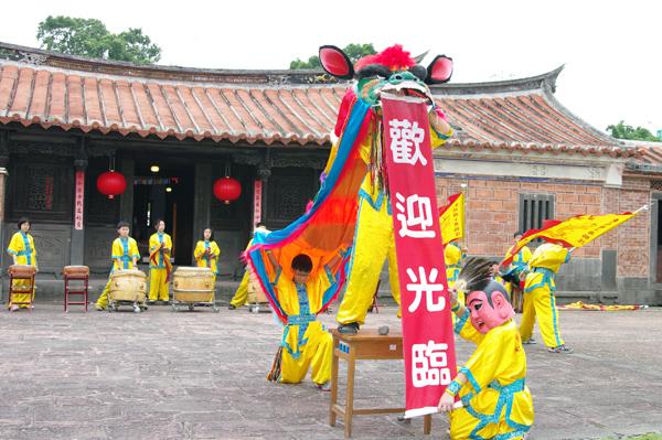 東湖國小舞獅團表演-1