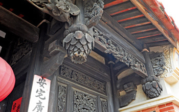 凹壽三川門雕飾