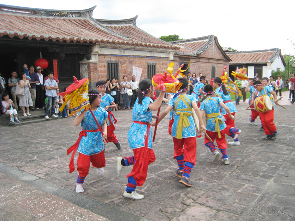Jumping and Drumming Parade Formation(Gu Ting Elementary School)-2