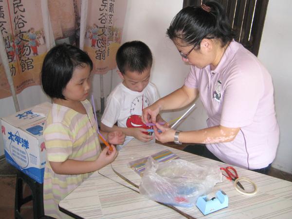 Teaching and Making Straw Art-4