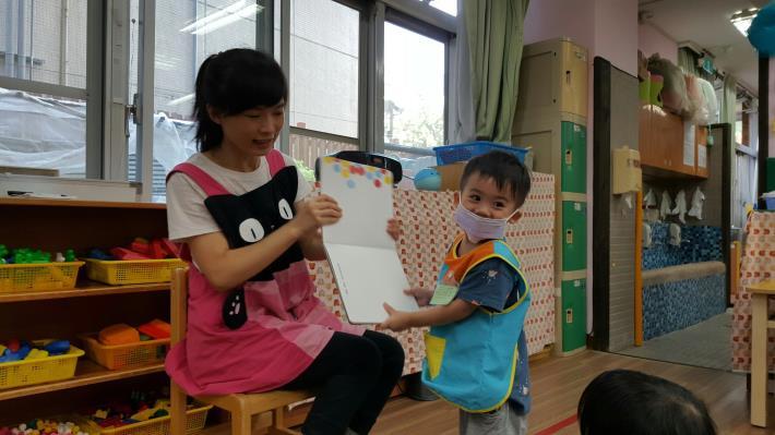 1071001-03老師說故事25