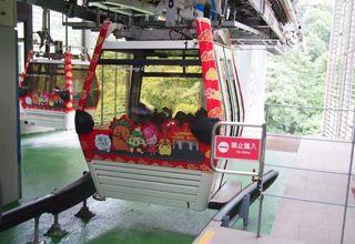 水晶車廂背面彩繪布置