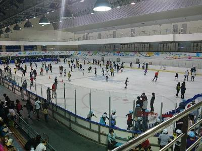 Taipei Arena Ice Rink Offers Early Summer Deals for Group Skaters