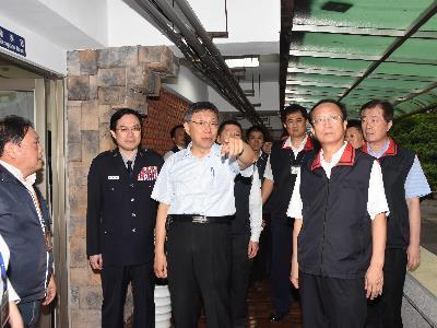 Pedestrian, Vehicle Control Enforced for Wanan 42 Air Raid Drill