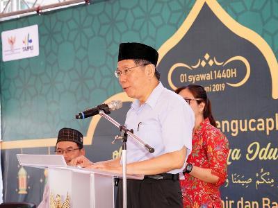 Mayor Visits Taipei Main Station to Wish Muslim Community an Eid Mubarak