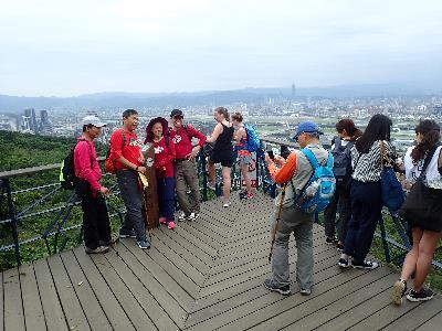 Splendid Crest Line: Collecting Words at Old Place and Traversing the Jiantanshan – Wenjianshan Hiking Trail