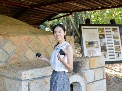 Savoring Tea, Celebrating the Moon Festival in the Hometown of Tea
