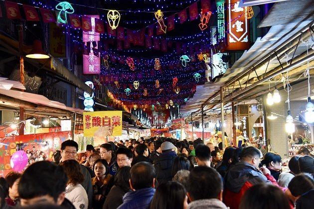 CNY street bazaar at night