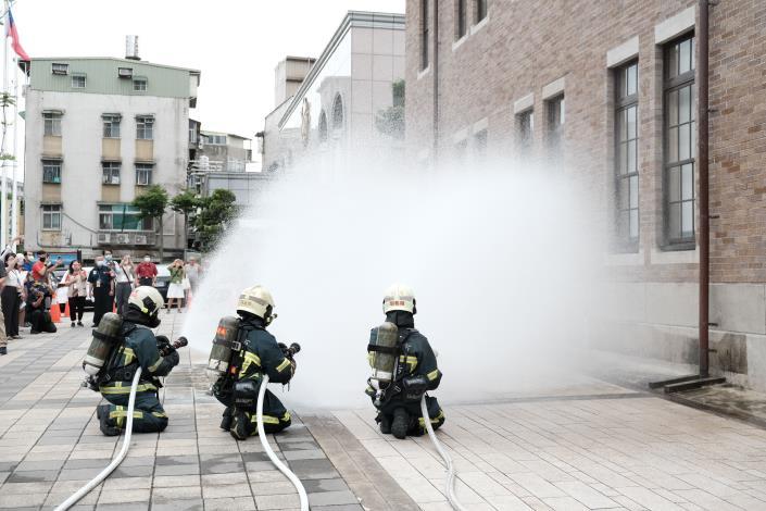 消防人員共同參與古蹟防災演練