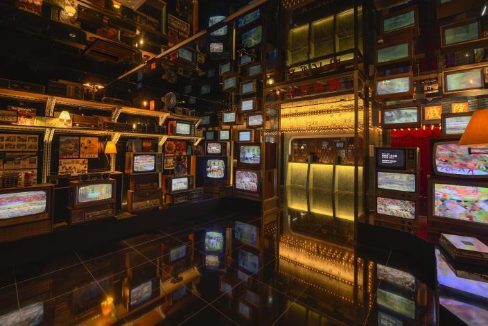 「時代電器行」呈現不同年代電器伴隨的經典流行音樂,喚起你我心中的溫暖回憶