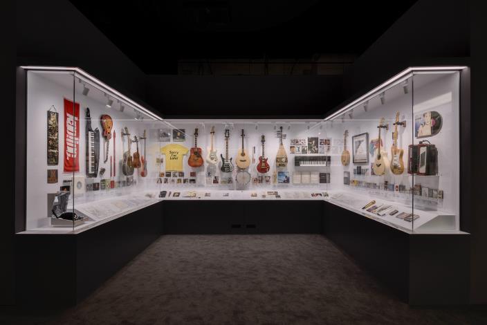 「音樂的魅力」陳列歌手使用過的樂器真品,與觀眾分享屬於音樂人的私密回憶