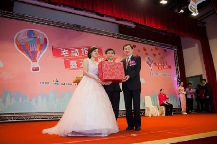 致贈新人代表結婚賀禮