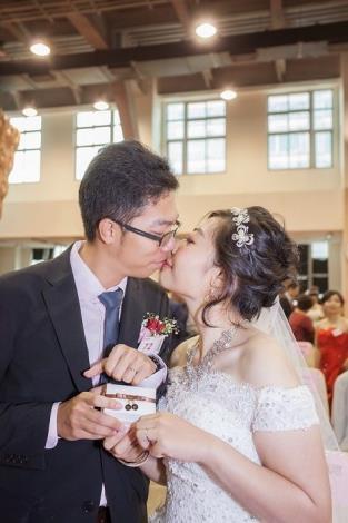 11新人幸福相吻