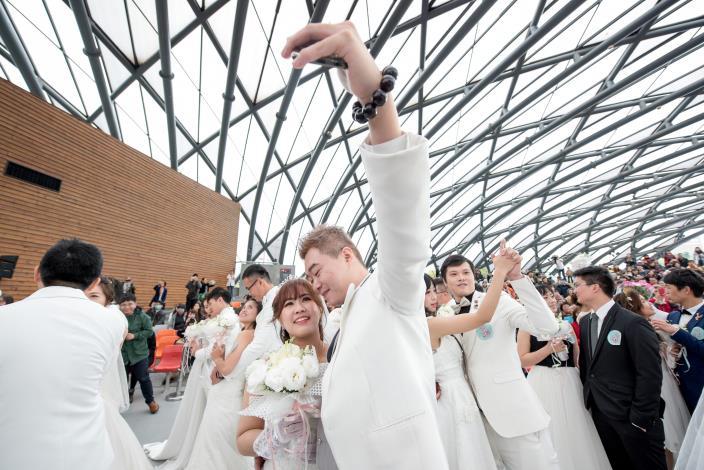 臺北市第218場聯合婚禮-新人完成假人挑戰
