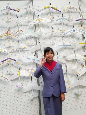 點擊打開觀看安坑國小六年級洪韻涵小朋友分享自己最喜歡在松山機場的飛機模型體驗課程